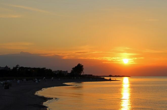 Sonnenuntergang am Strand von Heiligenhafen