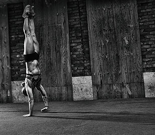 gymnastics crossfit functional girl walk