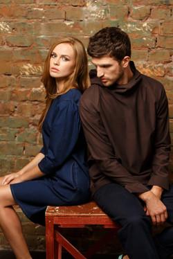 джинсовое платье и коттоновый худи