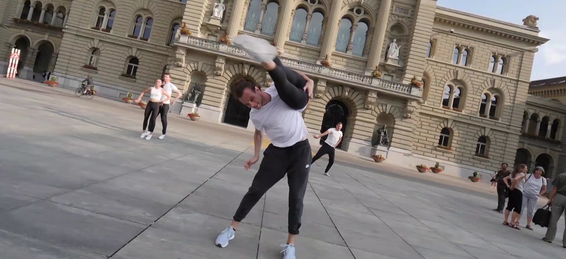 Elite Bern Dance & Acrobatic c/o the STAGE