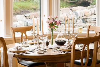 Dining-Room_0543_V2_Table_WEB_Small.jpg