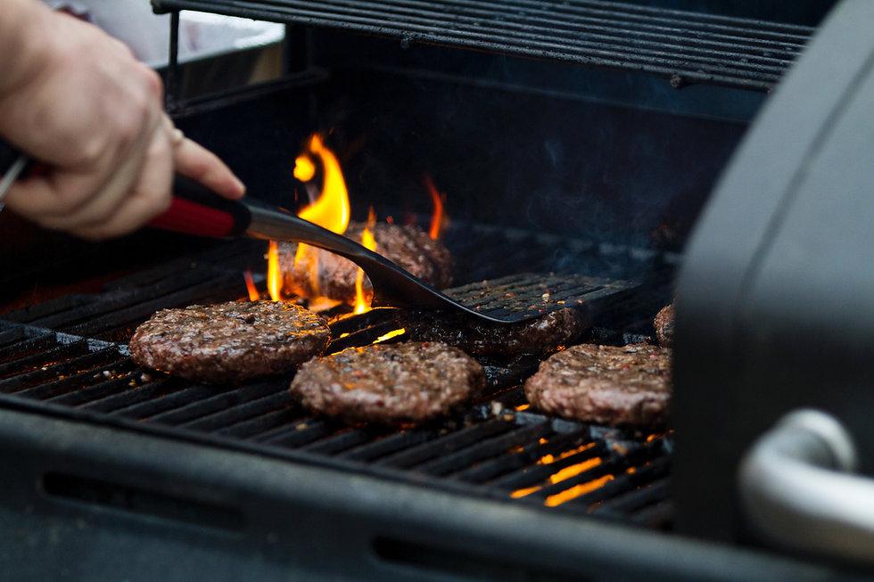 Hamburger im Grill