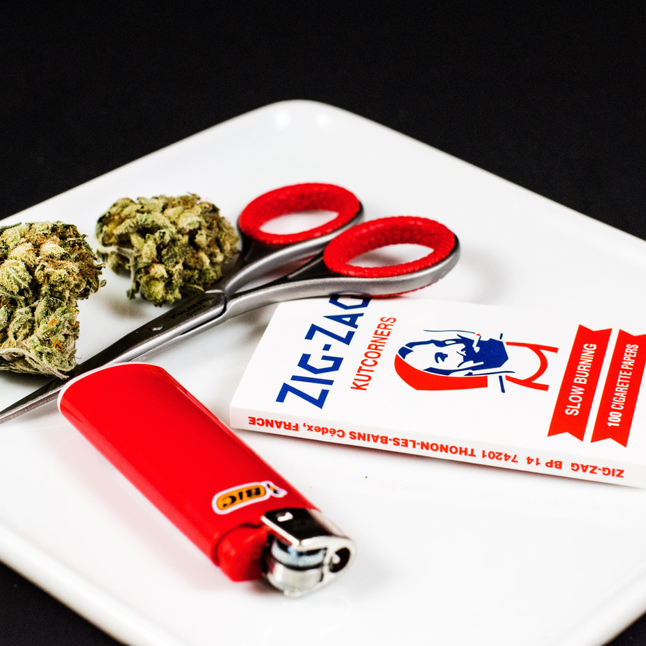 Cannabis_Papers_Scissors_CM_smaller.jpg