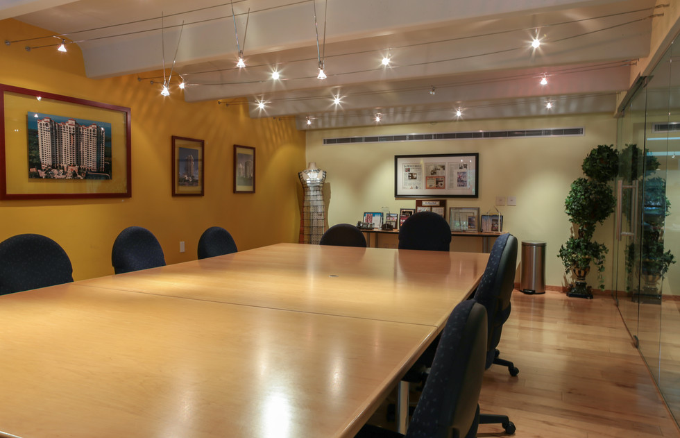 Conf Rm 005 (1 of 1).jpg