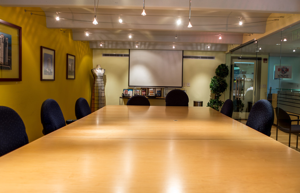 Conf Rm 004 (1 of 1).jpg