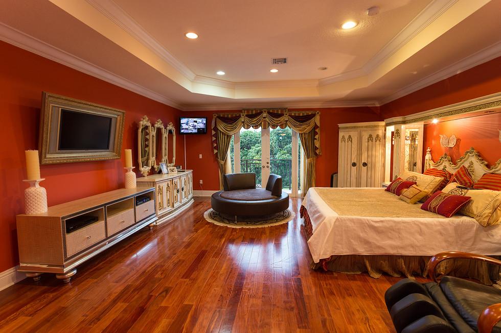 11111-Master-Bedroom-001.jpg