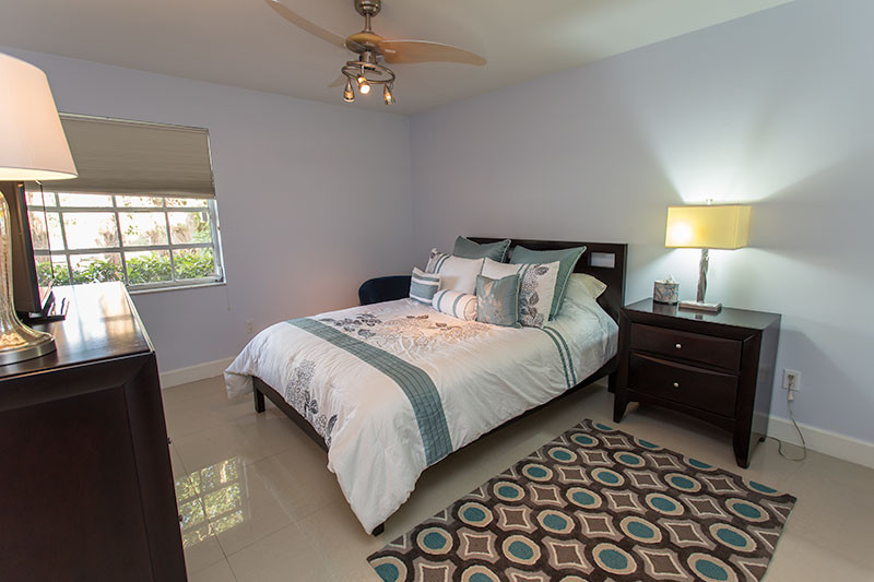 18400-Bedroom-001.jpg