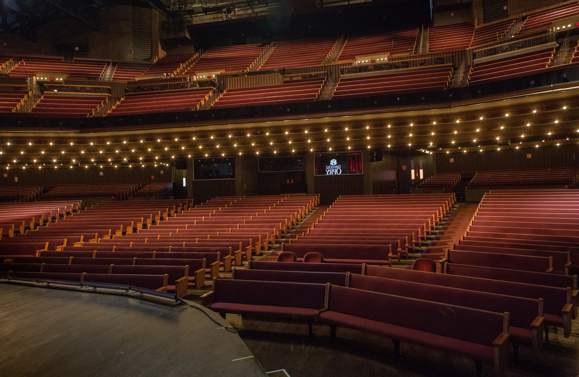 Grand-Ole-Opry-Inside-Seating-004.jpg