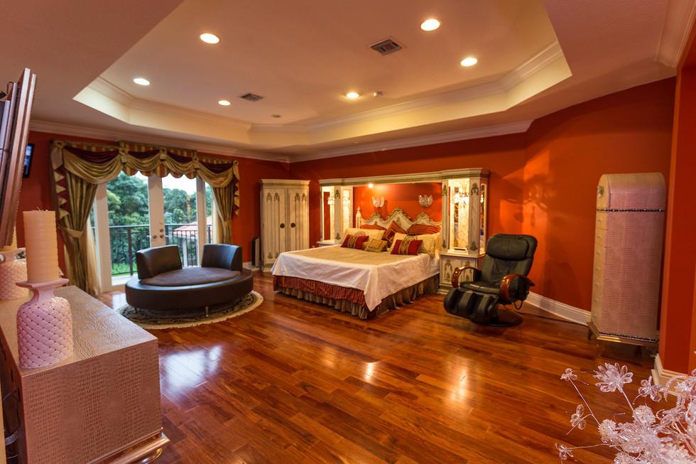 11111-Master-Bedroom-002.jpg