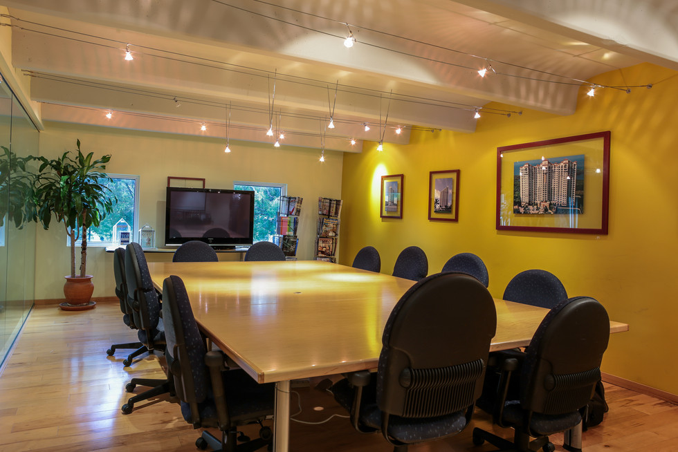 Conf Rm 002 (1 of 1).jpg