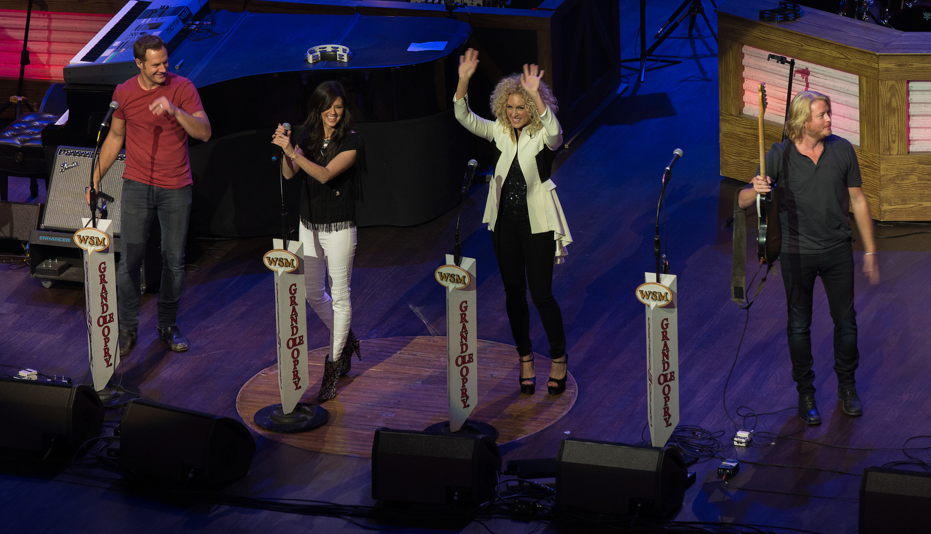Little-Big-Town-Closeup-001.jpg