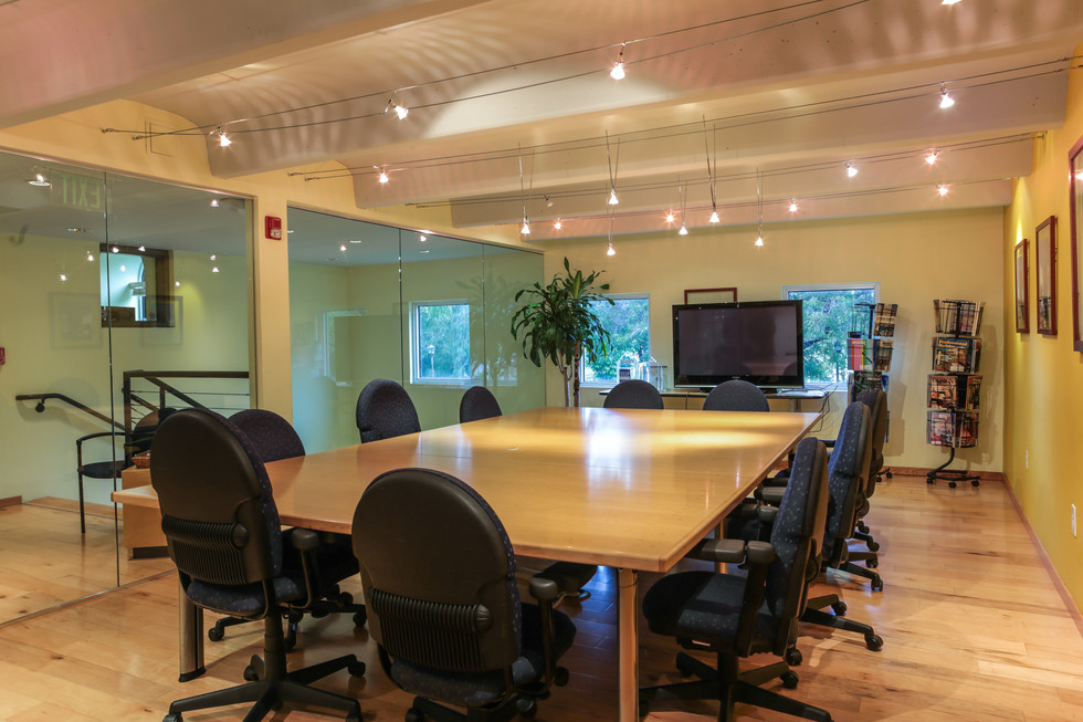 Conf Rm 001 (1 of 1).jpg