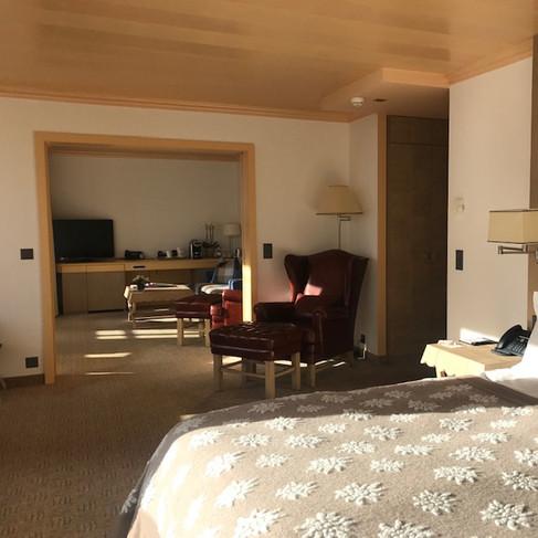 Suite 806.jpg