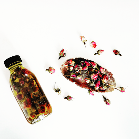 DIY: Rose & Jasmine Body Oil