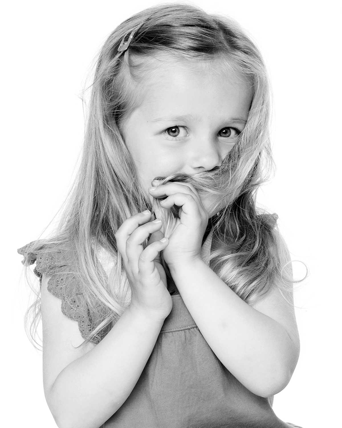 06-Home-Shoot-Toddler-Girl-Hair-Black-White-Shy-Philip-Murray-Photography-Dublin