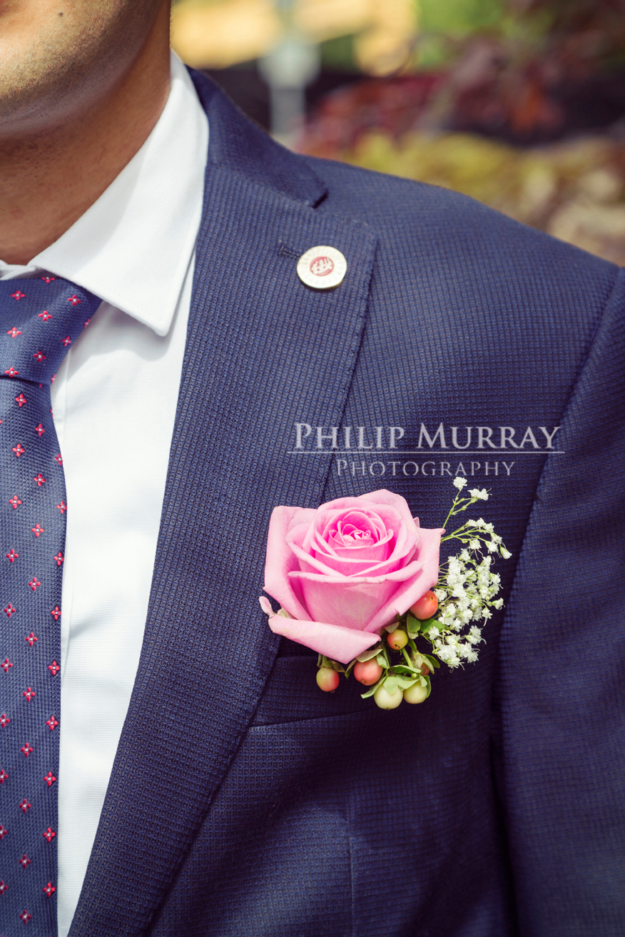 Wedding_N&A_Couple_Groom_Suit_Button_hole_Pin_Colour_Bahai_Stephens_Green_Philip_Murray_Photography_