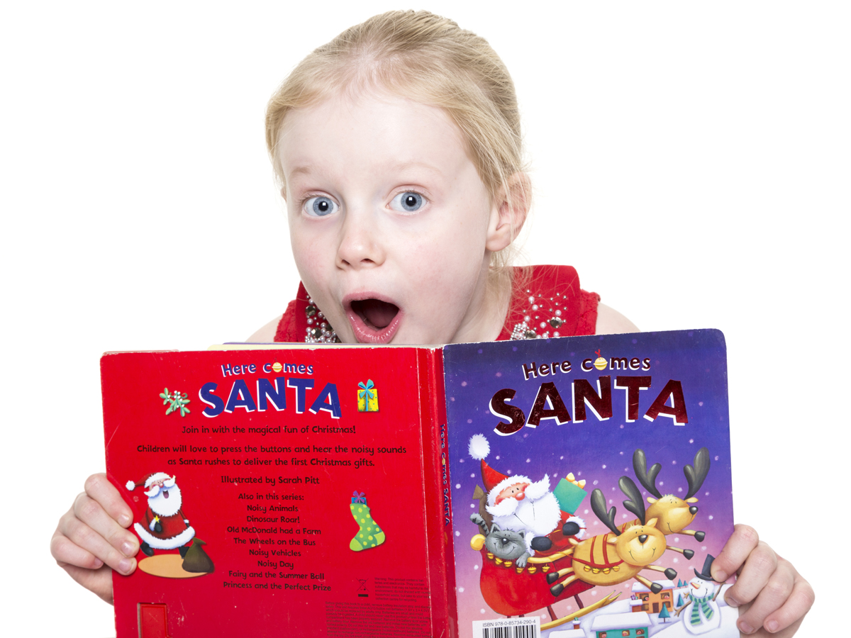 Home-Shoot-GIrl-Children-Santa-Book-Surprise-Philip-Murray-Photography-Dublin