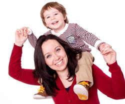 04-Home-Shoot-Mother-Boy-Sitting-on-Shoulders-Colour-Mix-Philip-Murray-Photography-Dublin