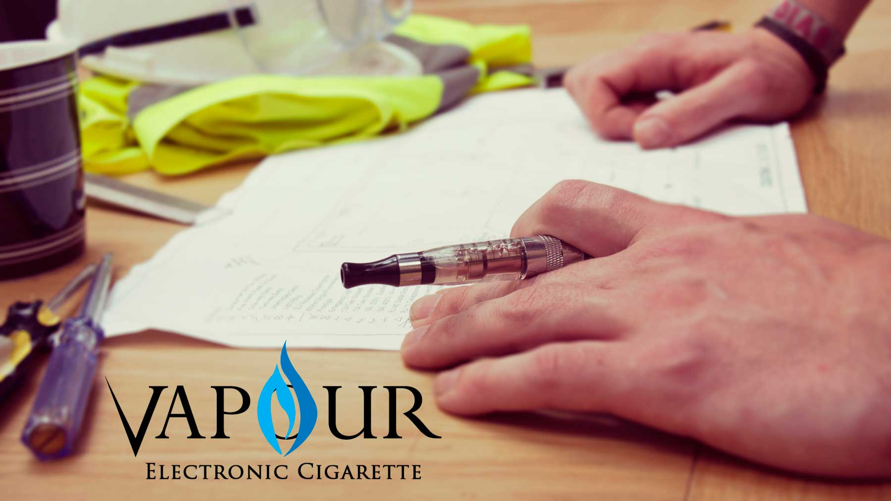 16-Vapour-Electronic-Cigarette-Hand-Builder-Work-Commercial-Philip-Murray-Photography