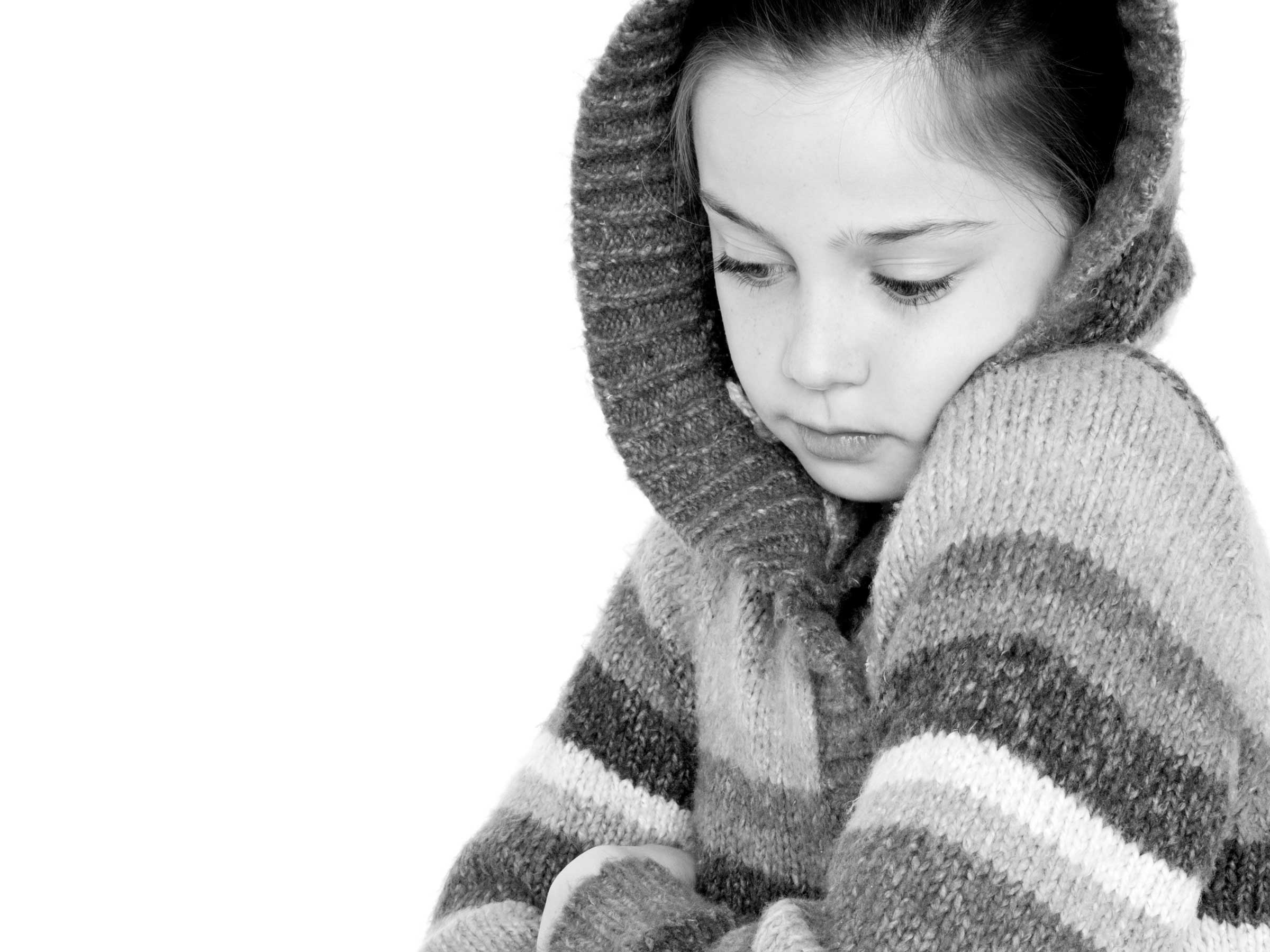 22-Home-Shoot-Girl-In-Cardigan-Hood-Black-And-White-Philip-Murray-Photography-Dublin