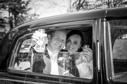 Wedding_E&J_Bride_Groom_Car_Black_and_White_Cheers_Church__Philip_Murray_Photography_Dublin