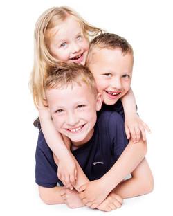 02-Home-Shoot-Boys-Brothers-Girl-Sister-Pile-Colour-Philip-Murray-Photography-Dublin