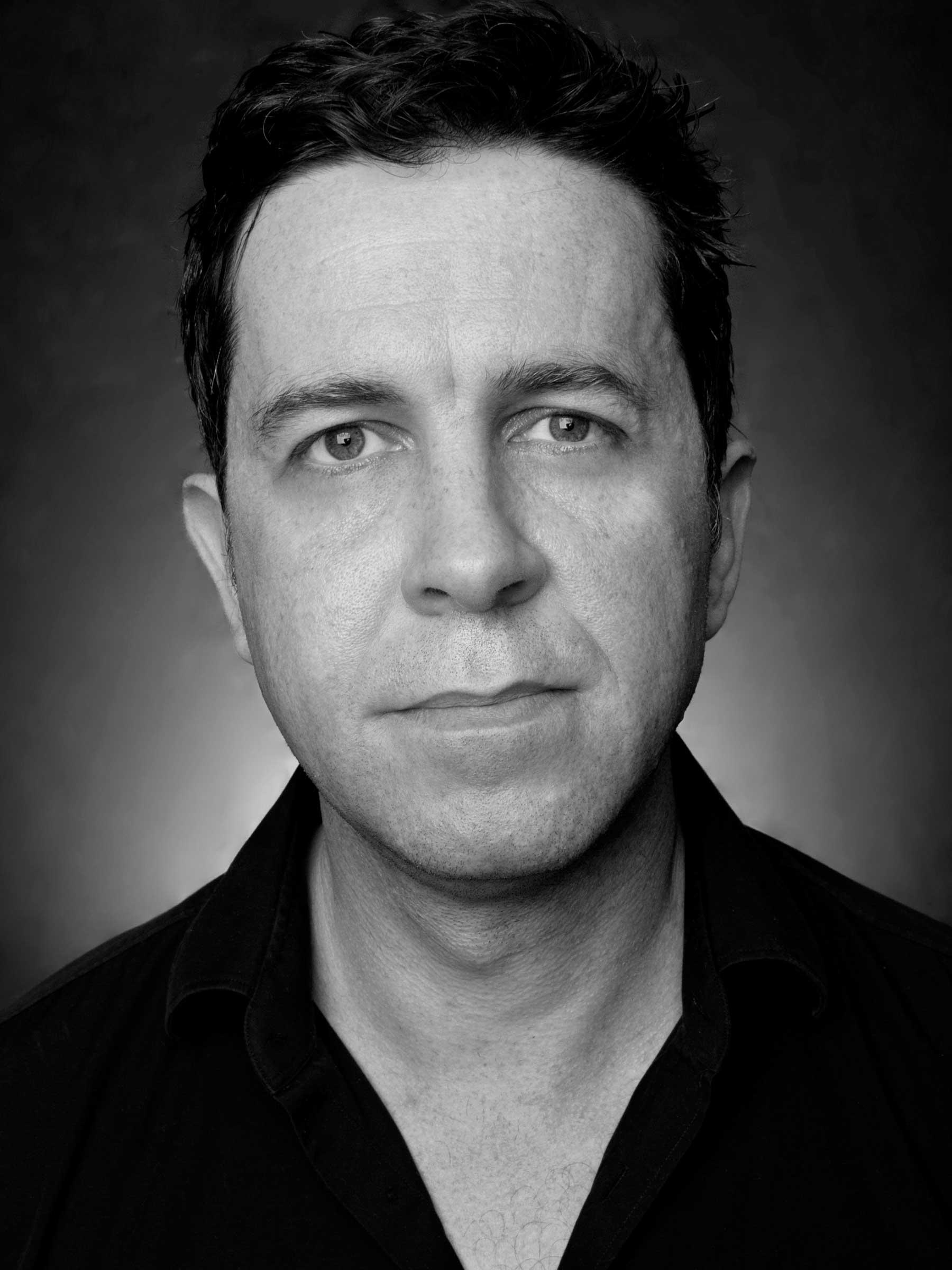 Portrait-Man-Actor-Headshot-Black-And-White-Philip-Murray-Photography-Dublin