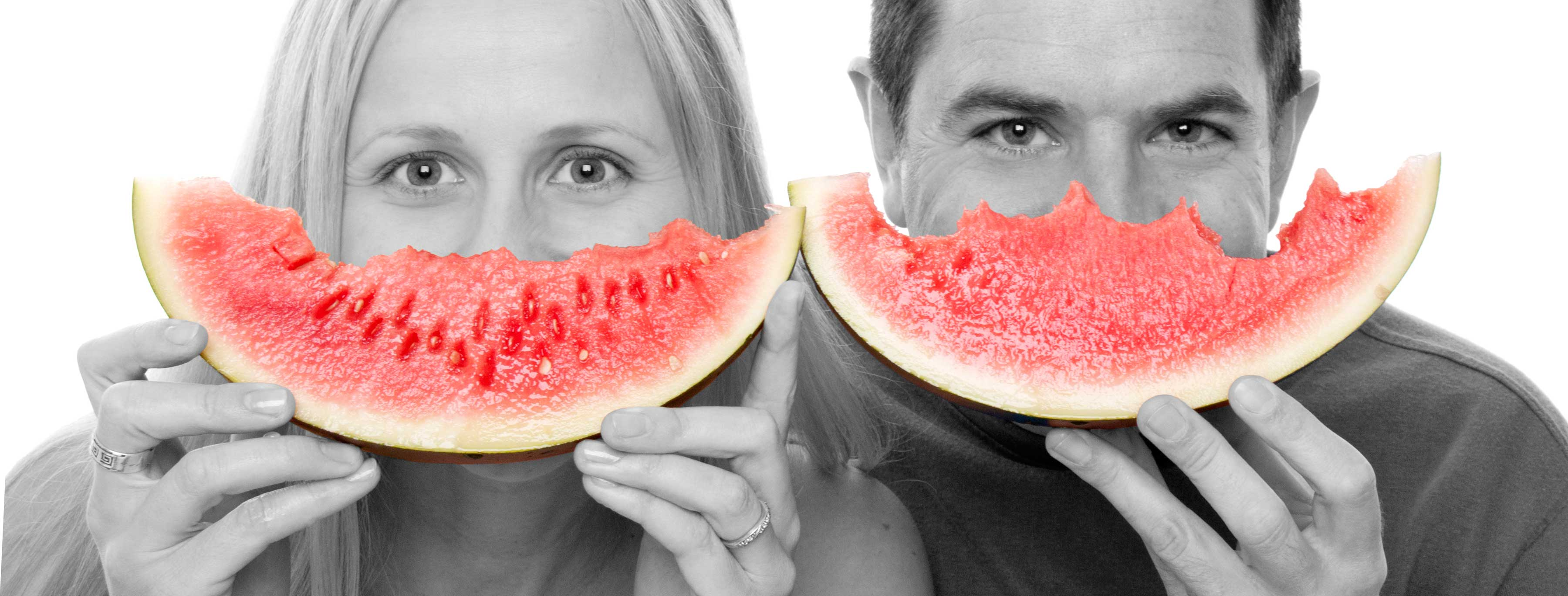 05-Home-Shoot-Couple-Eating-Melons-Colour-Mix-Philip-Murray-Photography-Dublin