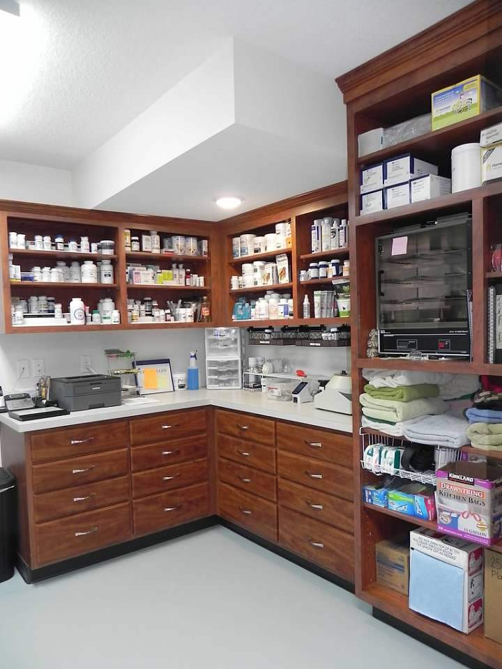 New small animal pharmacy