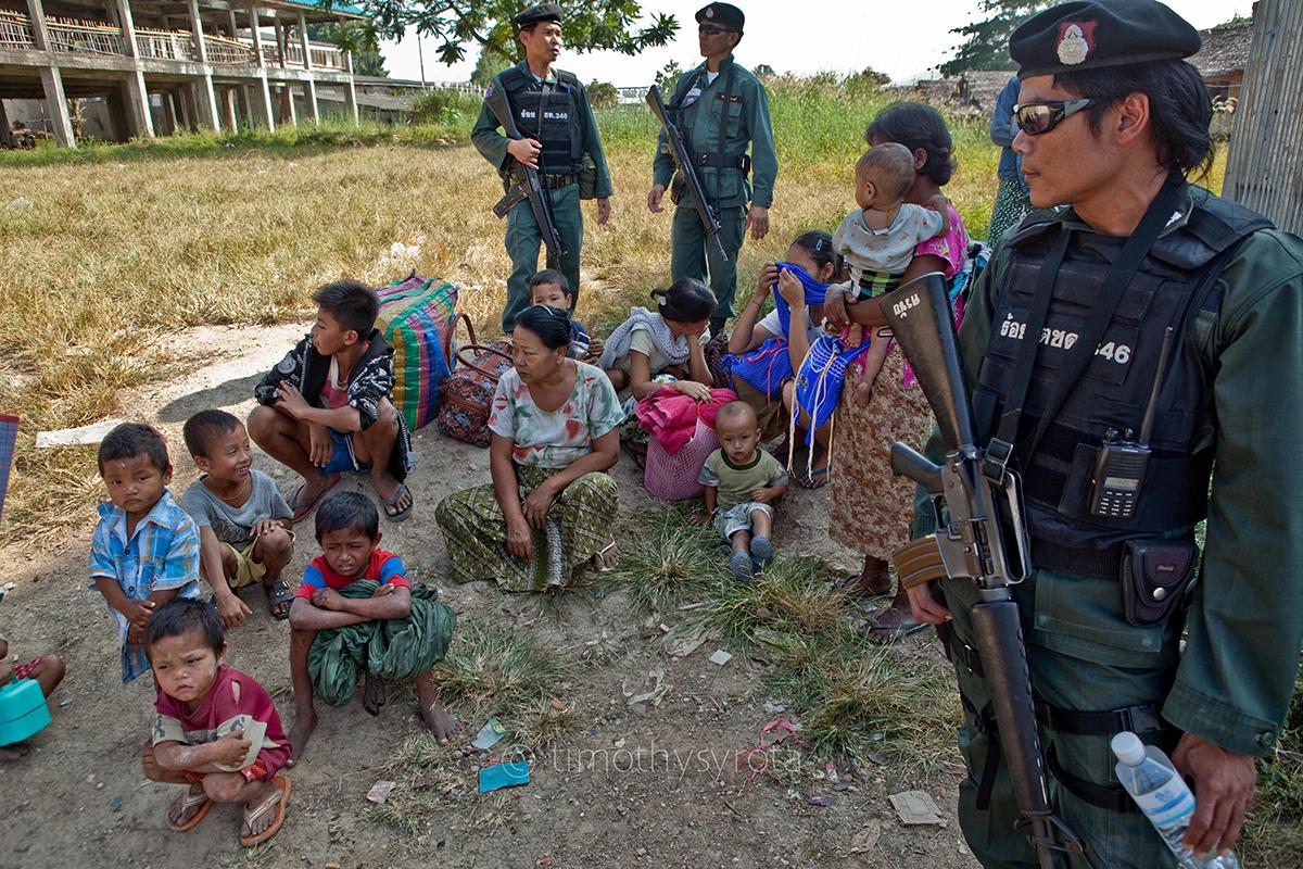 Fleeing Myawaddy-13