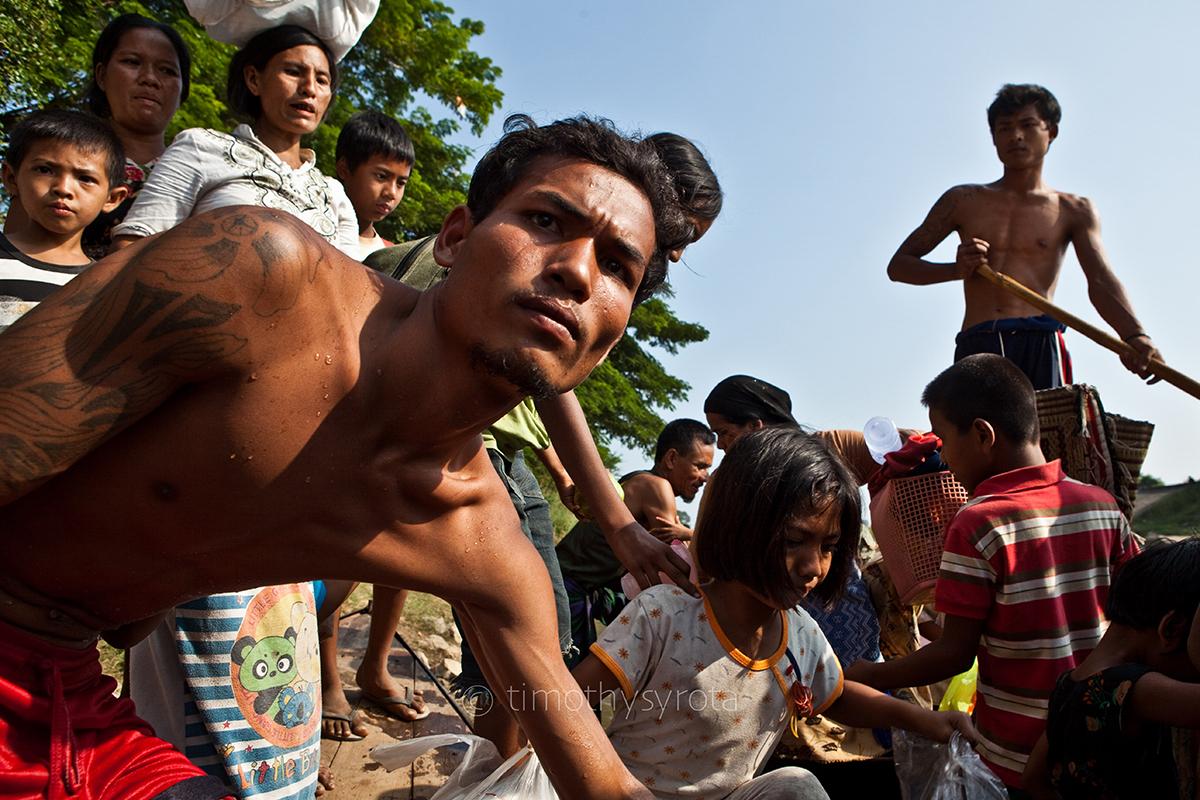 Fleeing Myawaddy-51
