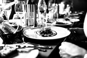 Gourmet%20meal%20and%20white%20wine_edit