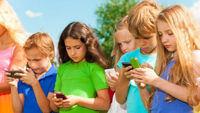 5 Ways To Get Your Kids Off Their Screens