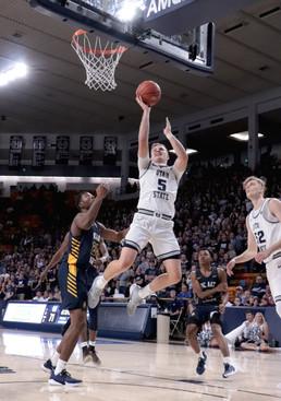 Utah State Men's Basketball VS North Carolina