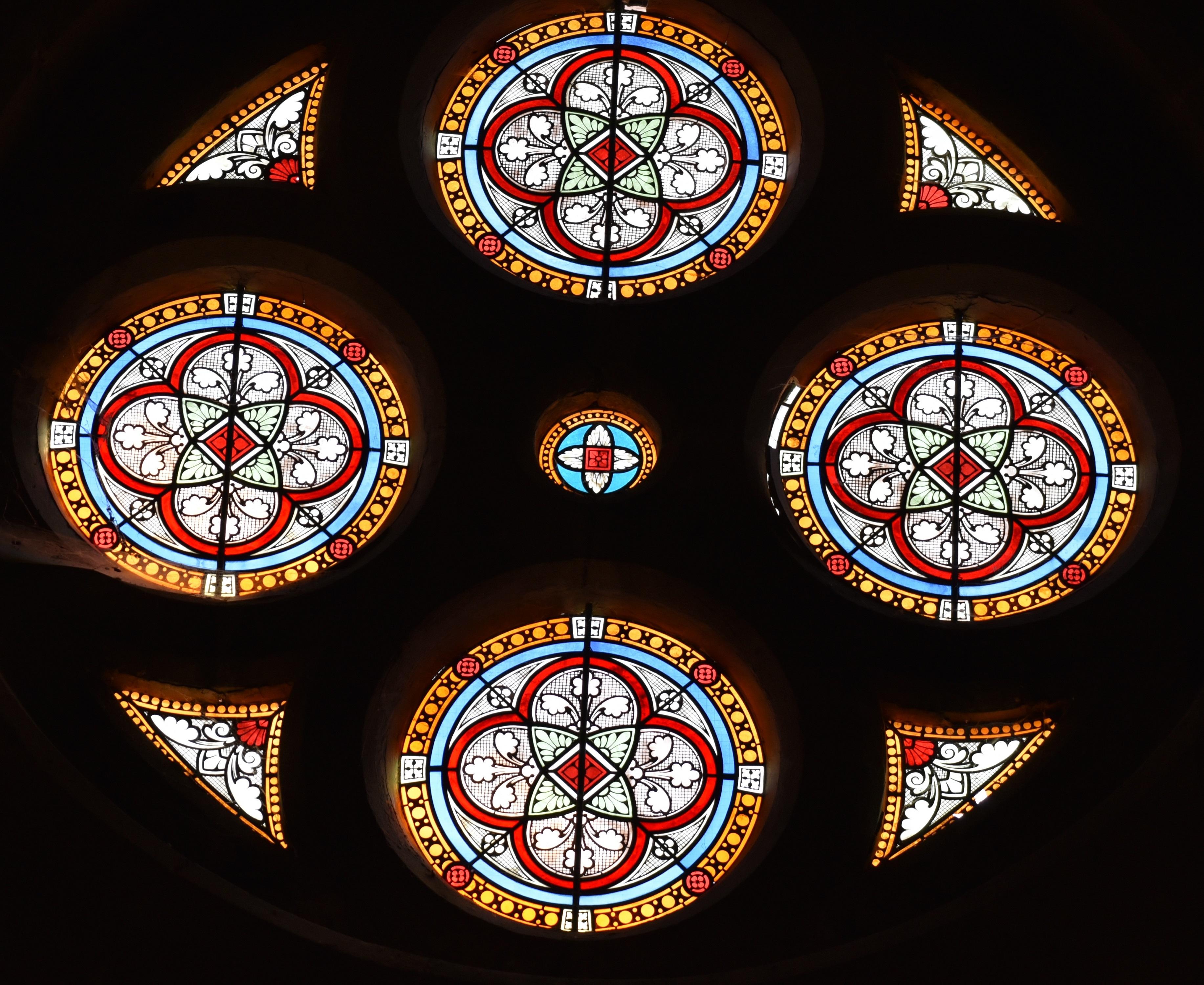 Vitrail rosace église Saint-Maurice
