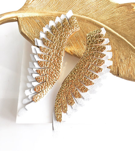Milly Angel Wings in gold over white