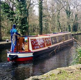 Basingstoke Canal.jpg