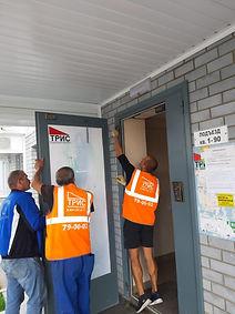 Пирожкого л3, ремонт двери входа в подъе