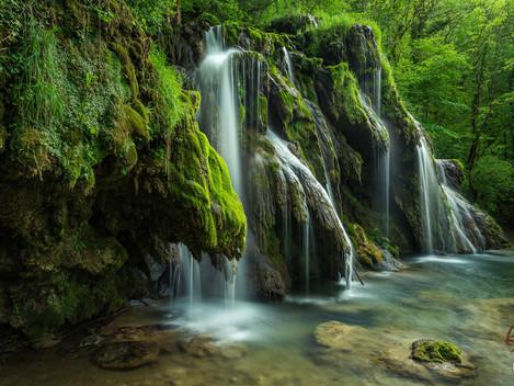Wasserfälle in einem Märchenwald...