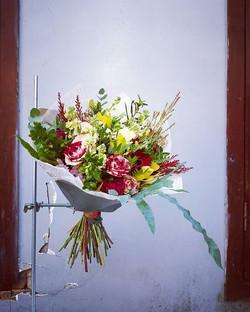 Puokštė su rožėmis