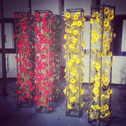 Tūrinės gėlių kolonos