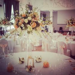 Stalo dekoras gėlėmis
