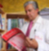 Dr. César Vásconez