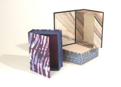 Hinged lid boxes