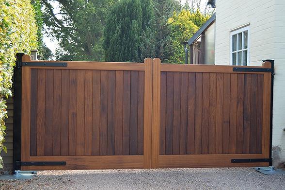 Henley-2-Driveway-gate.jpg