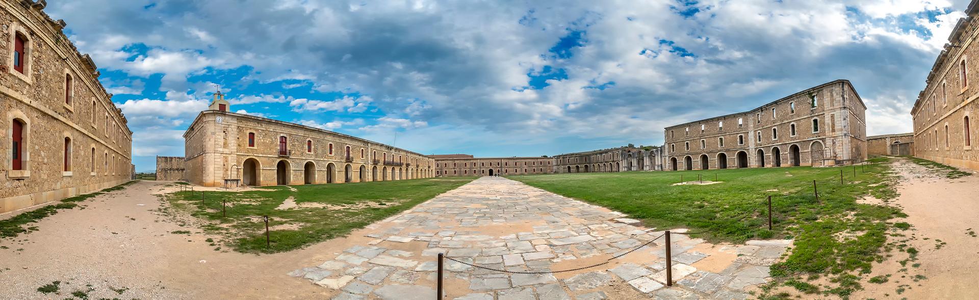 Castell de Sant Ferran (10).jpg