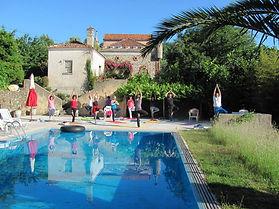 Yoga am Pool.jpg