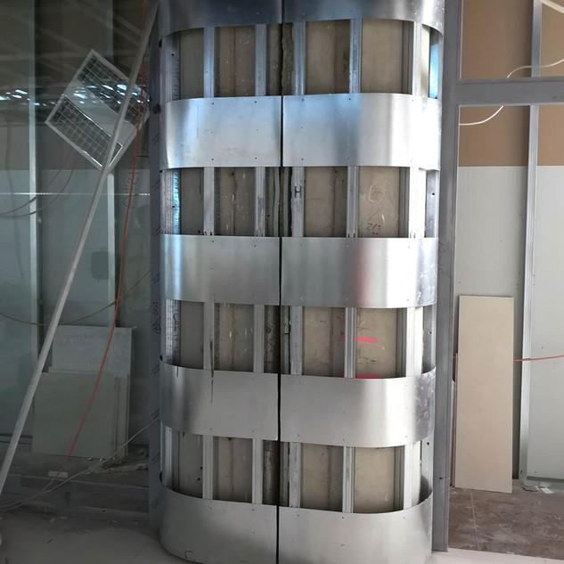 podkonstrukce pod obklad (ohýbané sklo)