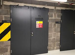 kovové dveře a zárubně do garáží