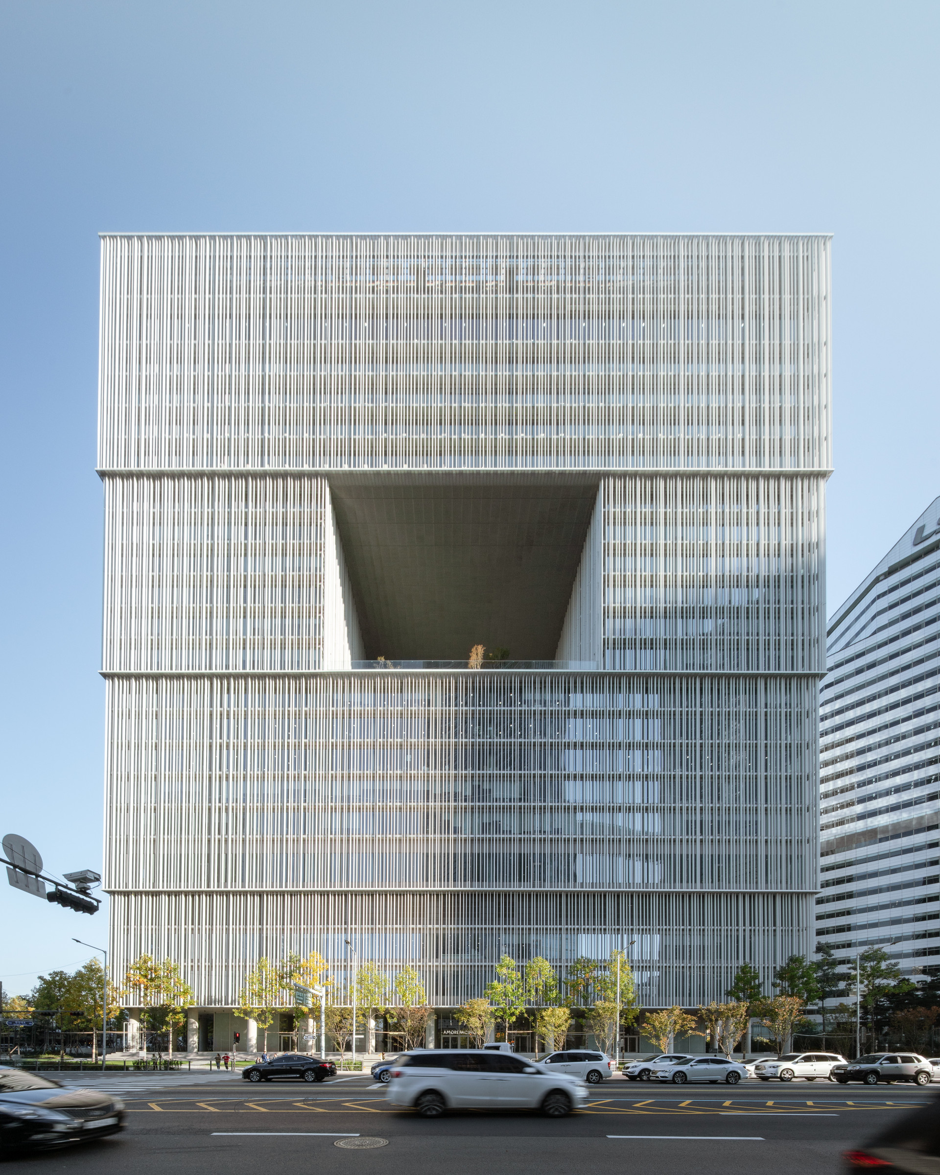 Amorepacific headquarters-2.jpg